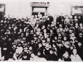 Учні і вчителі школи Тарбут