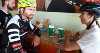 Лідер українського гурту приїхав на Закарпаття велосипедом