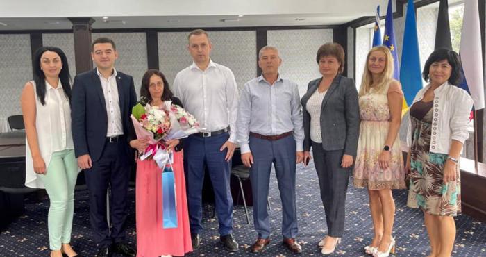 Свалявчанці вручили нагороду «Мати-героїня»