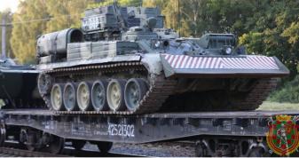 В Брест прибув перший військовий ешелон з військовослужбовцями та технікою Російської Федерації