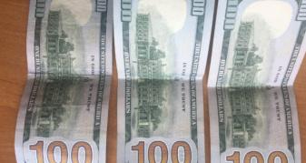 Триста доларів хабаря волинянин пропонував оперуповноваженому у Вараші