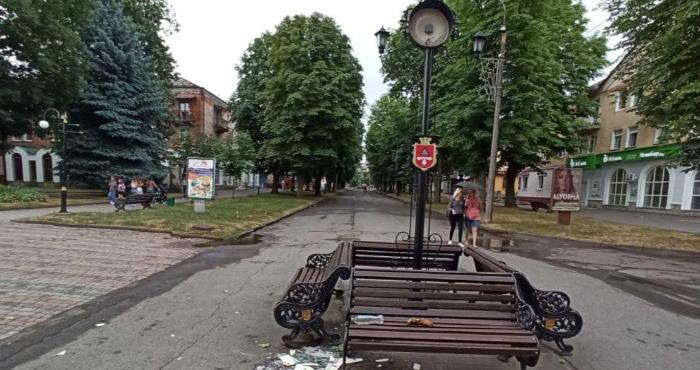 В Нововолинську вандали розбили годинник