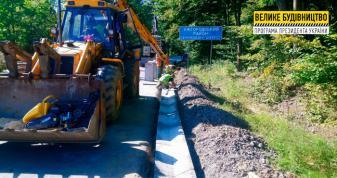 На дорозі Перечин – Свалява влаштовують систему водовідведення