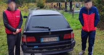 У селі Княгининок Луцького району поліцейські виявили підозрілу автівку