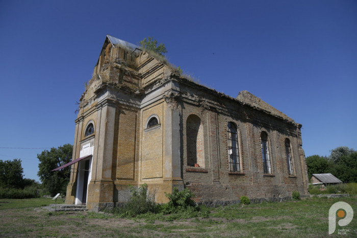 Настоятель місцевого монастиря, ігумен Яків Мільян розповів, як парафіяни Православної церкви України нині опікуються колишнім католицьким храмом.