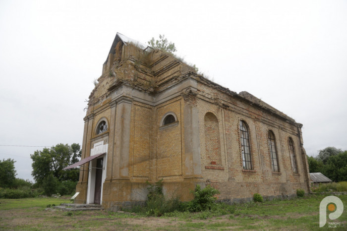 У різні роки місцева римо-католицька громада налічувала від 400 до понад тисячі парафіян, які збиралися із Сокола та околиць.