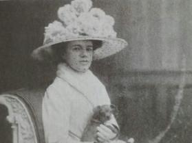 Катерина Десницька у європейському вбранні