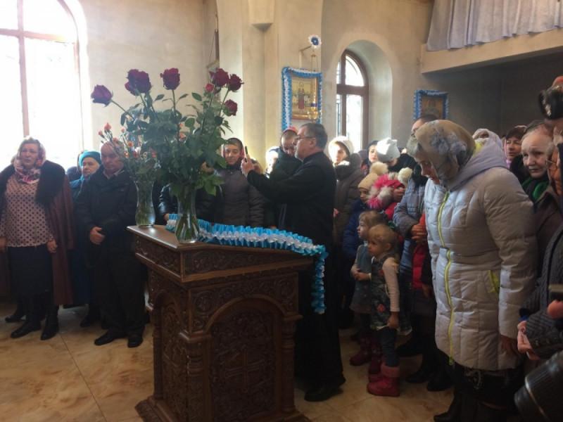Перша літургія у лікарняному храмі Володимира