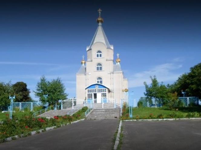 церква в селі Буяни