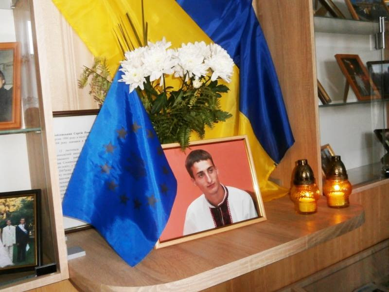 Вічна пам'ять і вічна слава - на Волині вшанували Героя України Сергія Байдовського