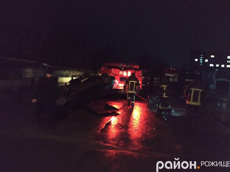 П'яний водій і перекинуте авто: подробиці ДТП у Рожищі