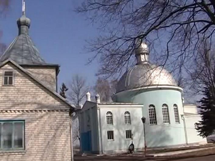 Церква у селі Пірванче