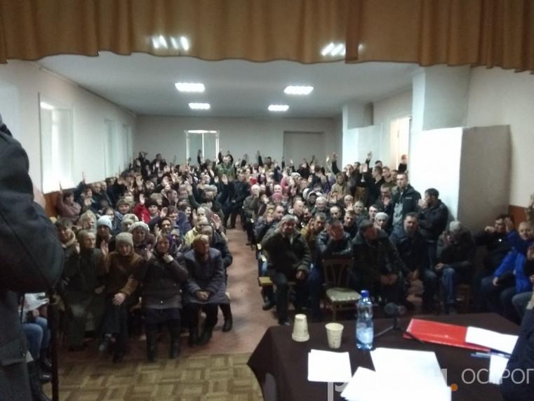 Парафія у селі на Острожчині одноголосно перейшла до ПЦУ