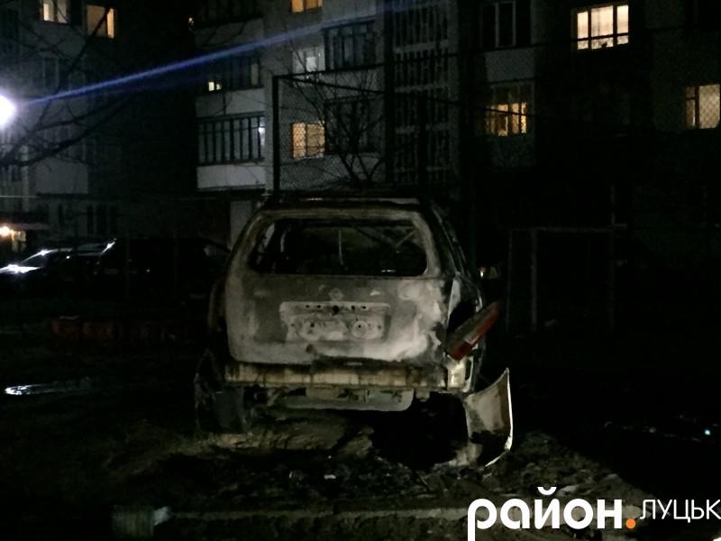 У Луцьку згорів автомобіль