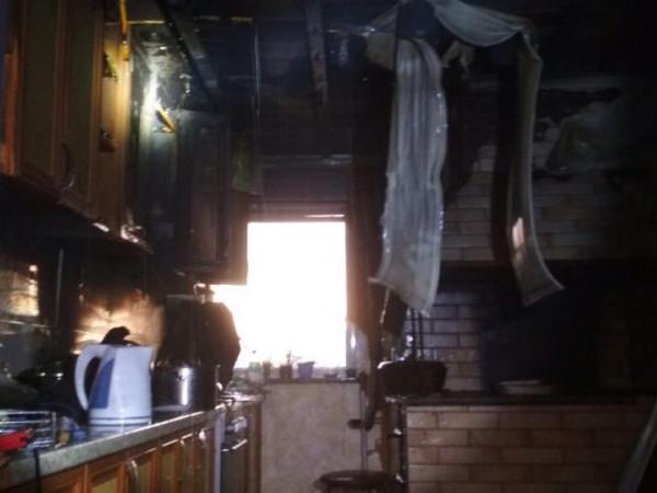 У Камені-Каширському на провулку Авторемонтний горіла літня кухня