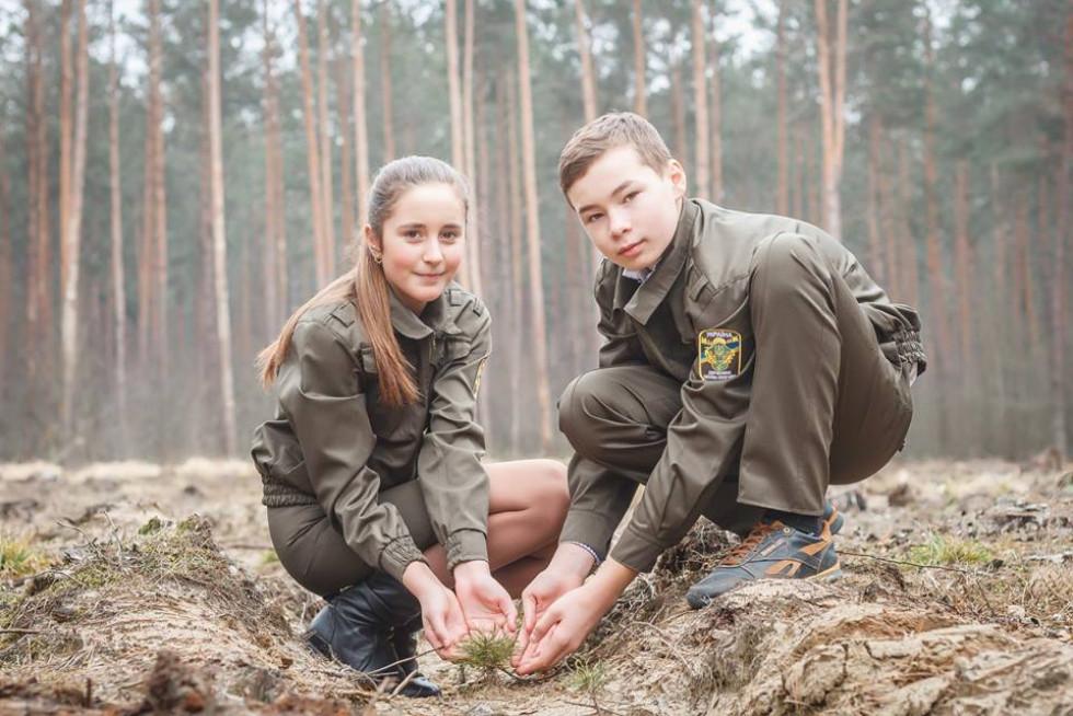 Школярі Маневиччини долучились до лісокультурної кампанії 2019