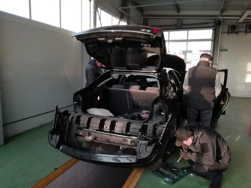 Затриманий на Ягодині німець віз кокаїн «на замовлення», – Київська прокуратура