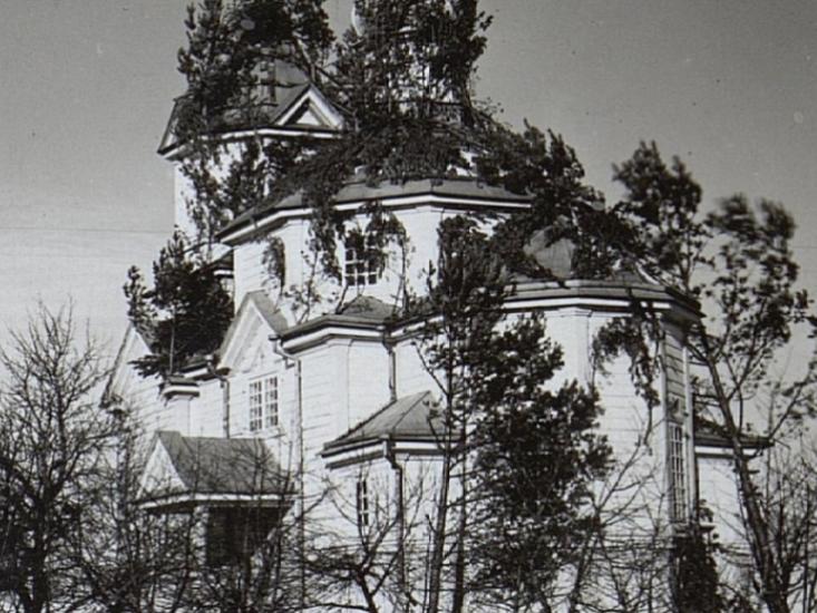 Церква в Озютичах