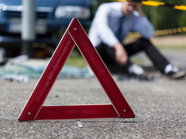 Через п'яних водіїв на Ратнівщині зіткнулися легковик та мотоцикл