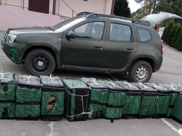 На Любомльщині на кордоні з Польщею знайшли 32 ящика сигарет