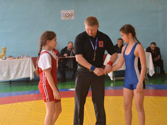 У всеукраїнському турнірі із вільної боротьби перемогли любешівці