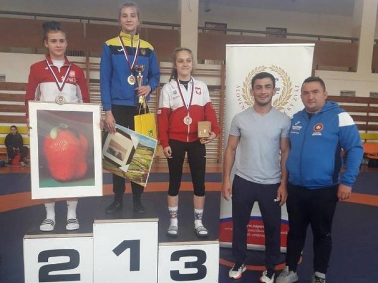 Юна ковельська борчиня здобула «золото» у Словаччині