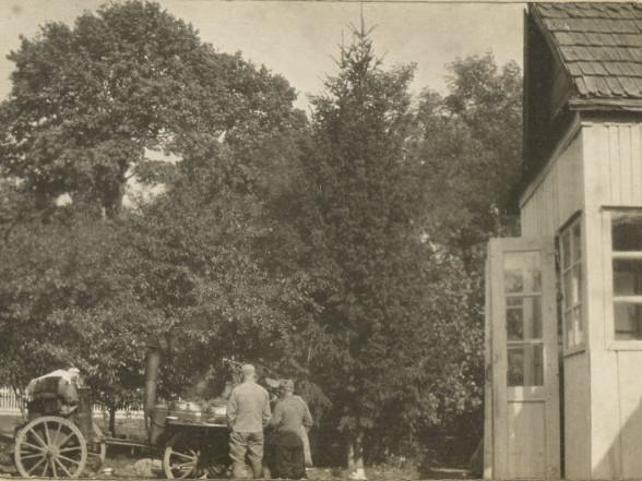 Як виглядало село Костюхнівка 100 років тому