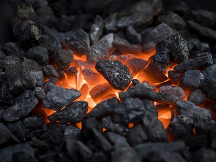 Копилля: згоріло декілька тонн вугілля, яке належить облавтодору  / Фото ілюстративне