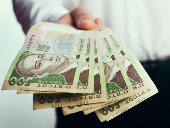 До 1 серпня декларанти зобов'язані сплатити податок