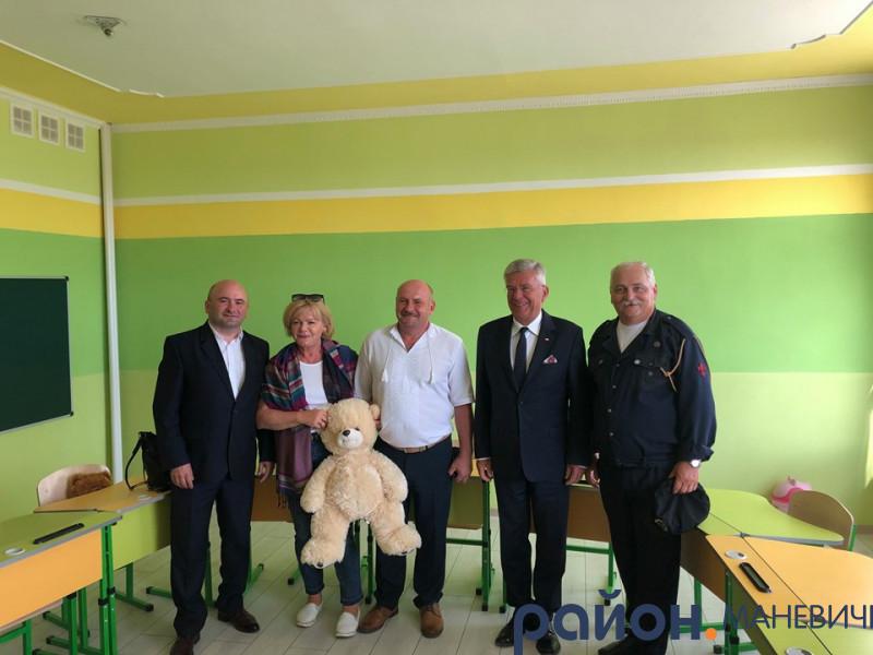 Костюхнівську школу відвідав Спікер сенату Польщі