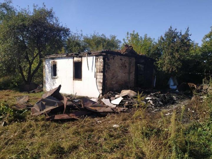 Понад чотири години гощанські рятувальники боролися з пожежею на Кореччині