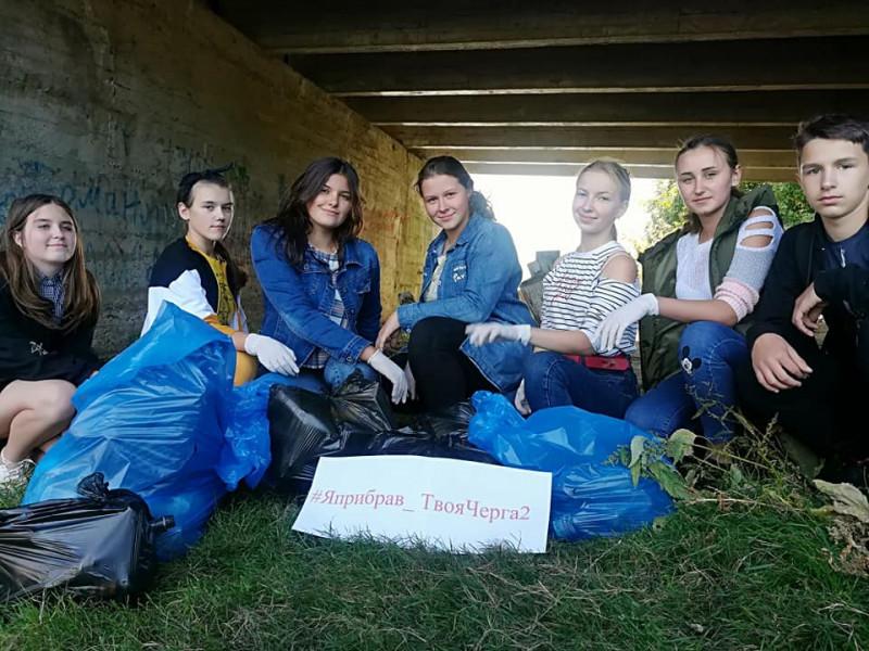 Ратнівські школярі прибрали берег річки Прип'ять