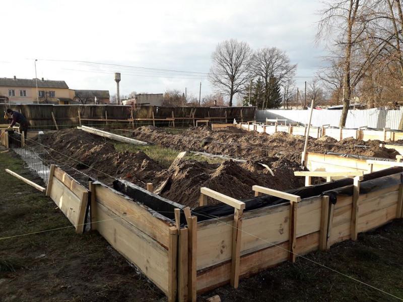 У селі Дубове розпочали будівництво нової амбулаторії