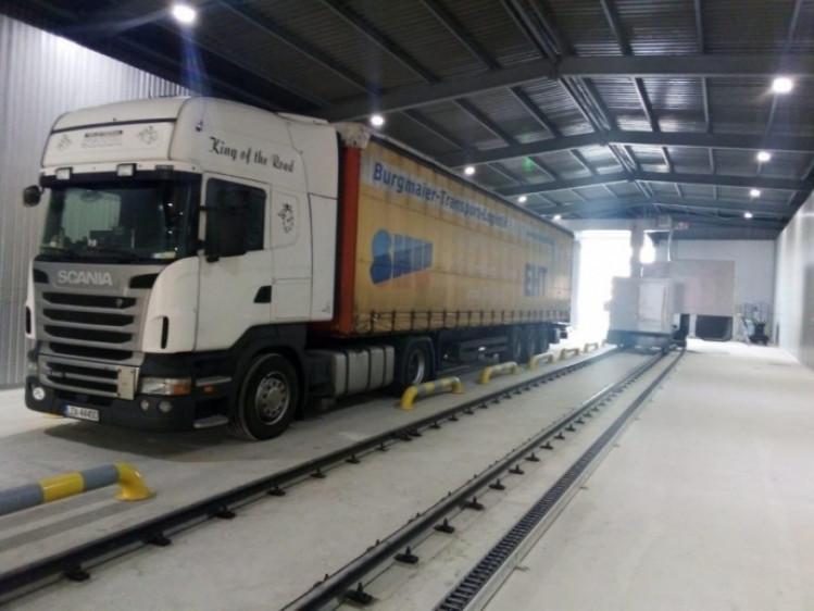 Сканування вантажівки