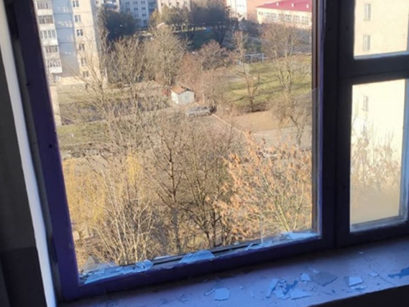 У Луцьку чоловік випав з вікна