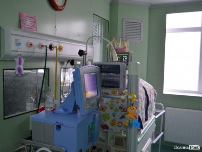 У перинатальному центрі«виходжують» малюка, який народився з вагою до 800 грамів
