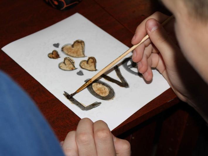 Маневичанам провели майстерклас малювання кавою