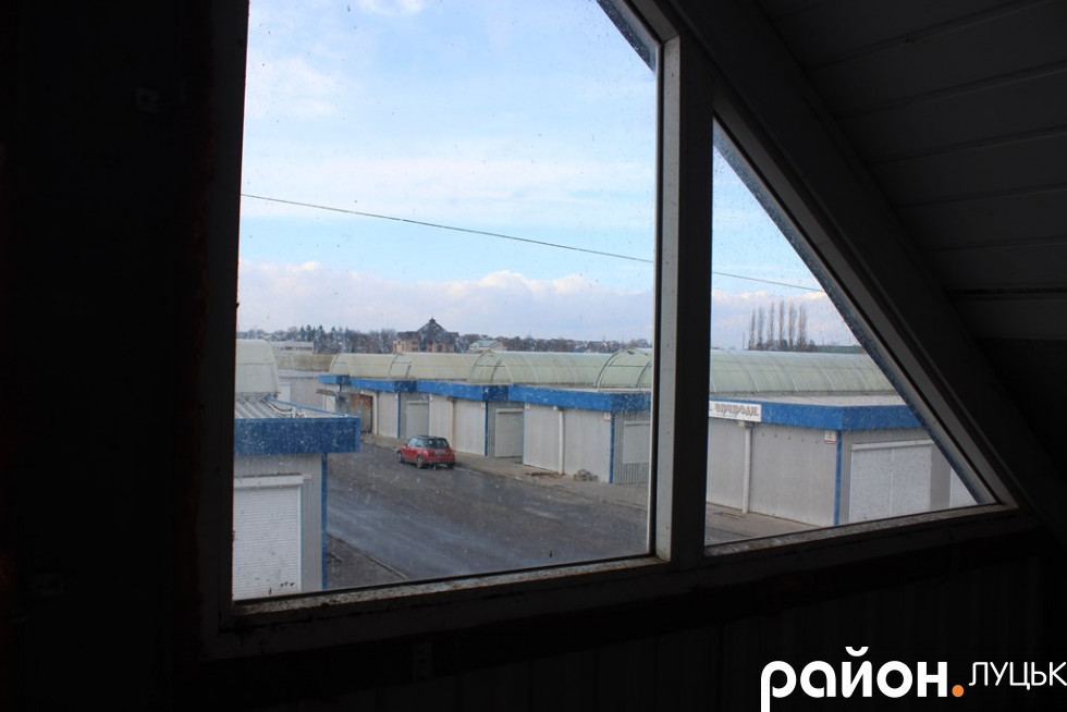Ринок з вікна адмінкорпусу