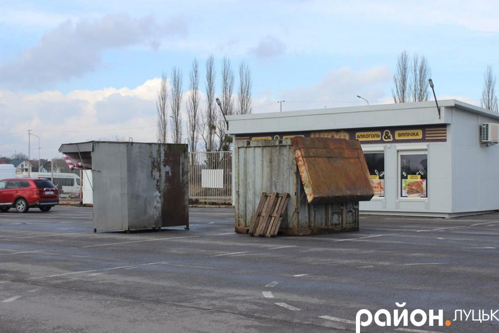 Вимог до контейнерів нема