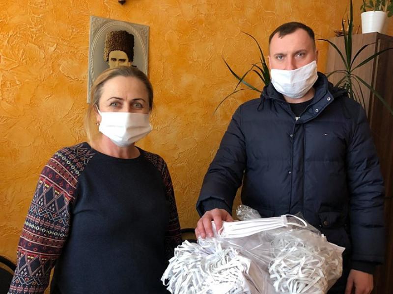 Більше 4 тисяч масок пошили для потреб городян