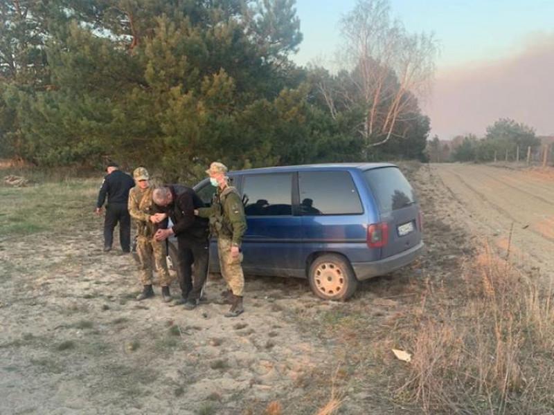 П'яні чоловіки влаштували автоперегони біля прикордонного підрозділу «Римачі»