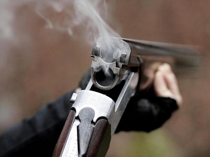 На Любомльщині затримали чоловіка, який біля автозаправки стріляв з рушниці
