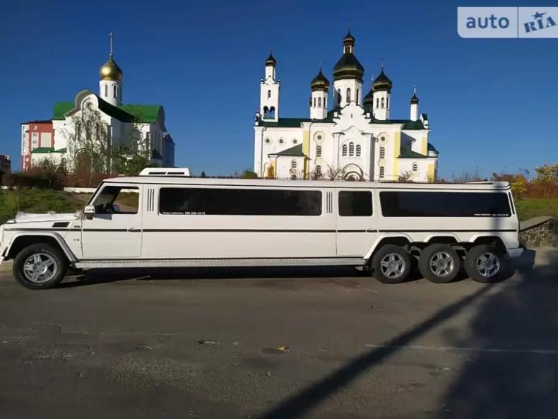Одна з ТОП-6 дорогих автівок у Сарнах