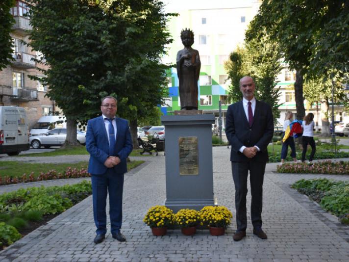 Пам'ятник Анні Київській
