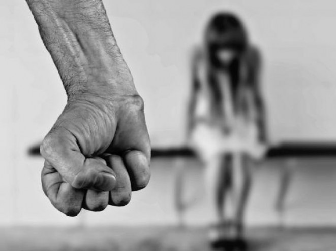 На Маневиччині затримали чоловіка, який вчиняв домашнє насильство та вдарив поліцейського