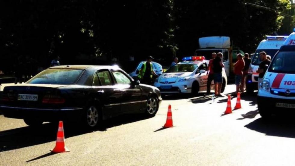 На місці події працюють патрульна поліція та «швидка» допомога