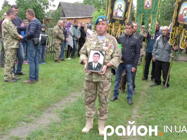 Андрій Волос знайшов спочинок у селі Омеляне