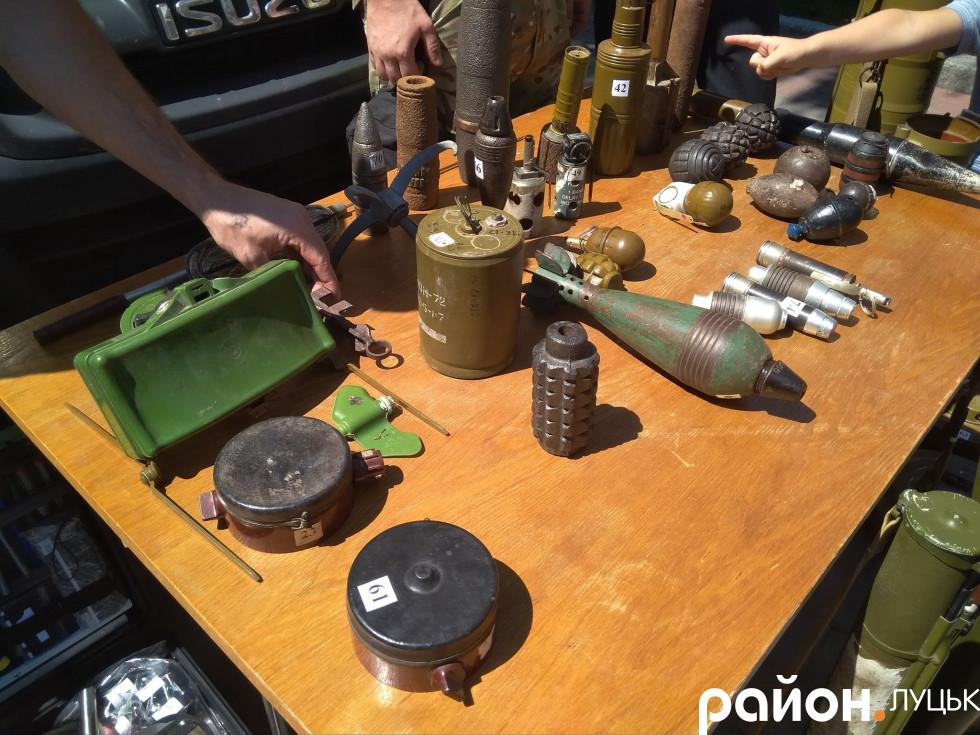 Протипіхотні та мінометні міни, різноманітні гранати