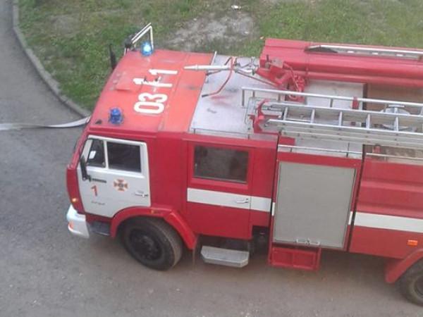 На вулиці Щусєва горить квартира