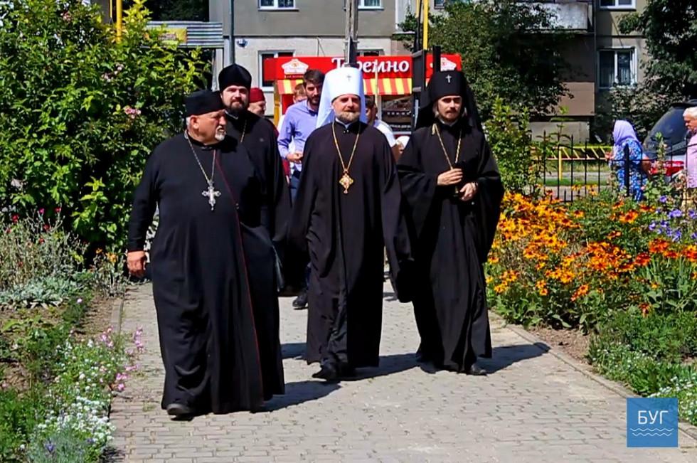 Священики, яких делегував патріарх Філарет, спробували розібратися у конфліктній ситуації, яка створилася навколо храму Юрія Переможця